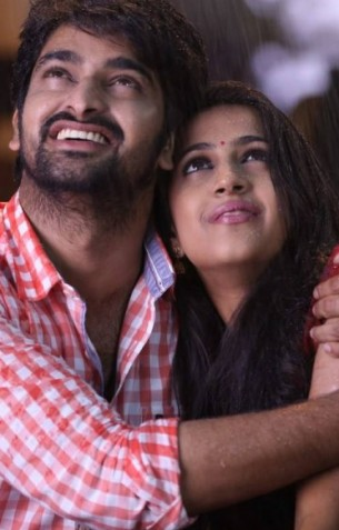 Okka Manasu Review