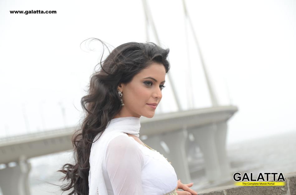 Aamna Shariff Photos