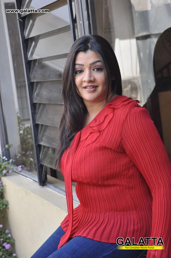 Aarthi Agarwal Photos