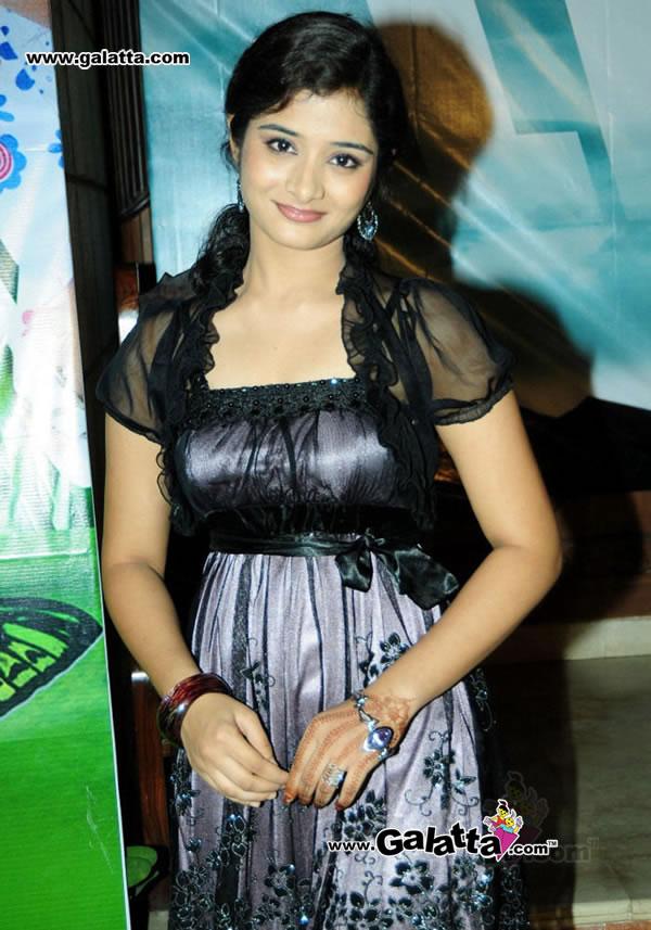 Ananya New Actress Wiki