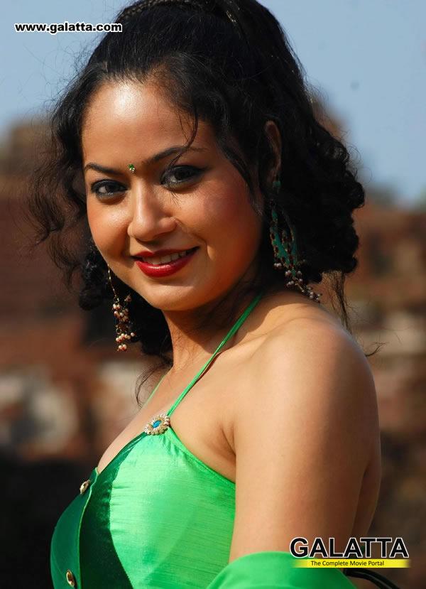 Anupoorva Actress Wiki