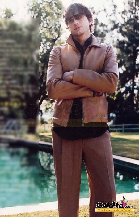 Ashton Kutcher Photos