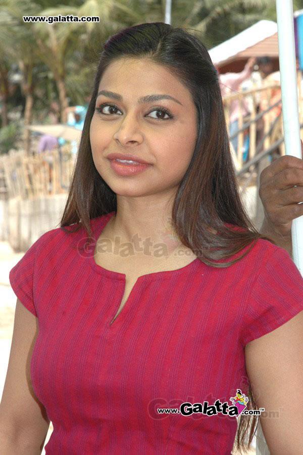 Ayesha Dharker Photos