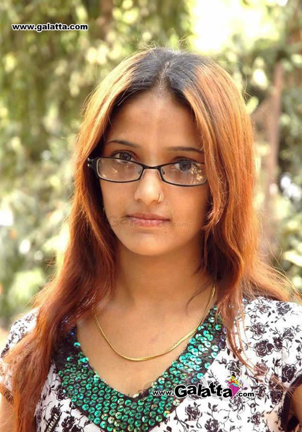 Chandhini Actress Wiki
