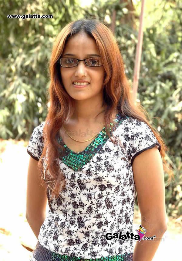 Chandhini Photos