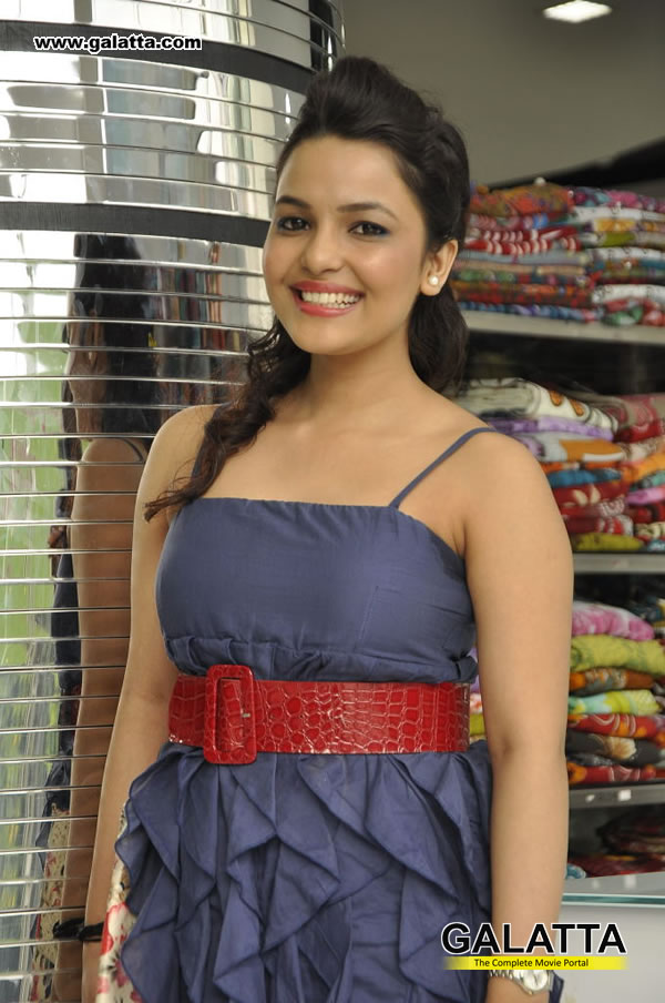 Chitrashi Rawat Photos