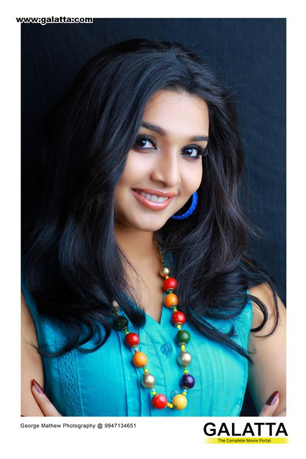 Deepthi Actress Wiki
