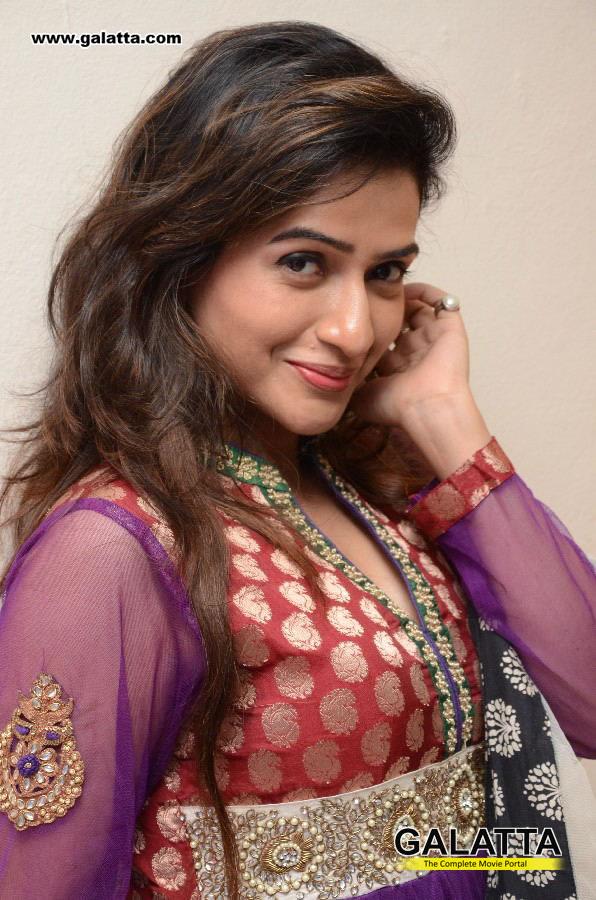Devana Actress Wiki