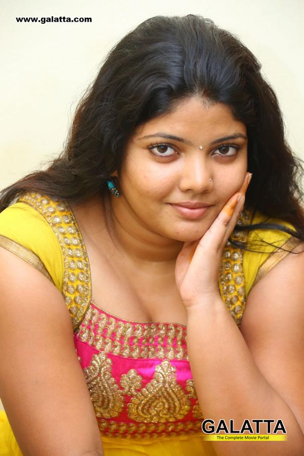 Divya Bharati Photos