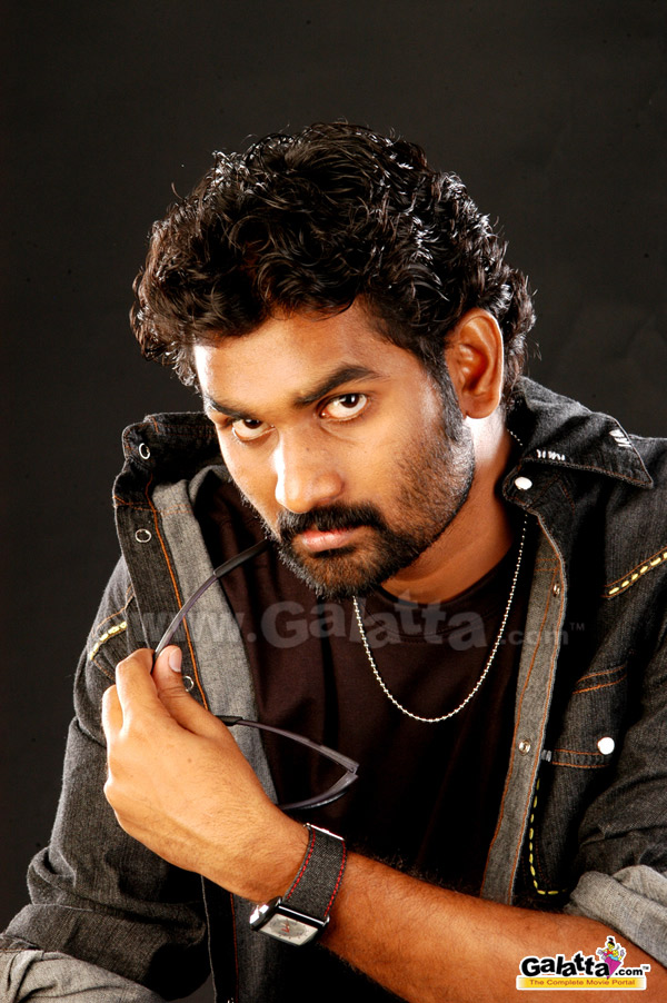 Ezhilventhan Actor Wiki