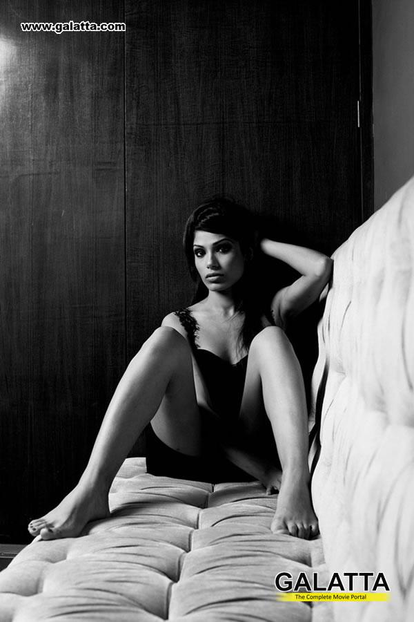 Freida Pinto Photos