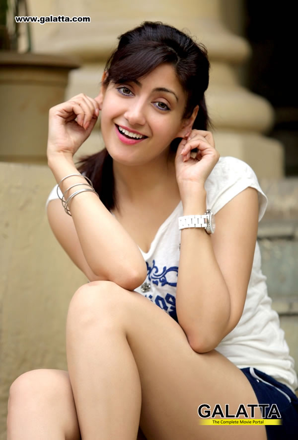 Gurleen Chopra Photos