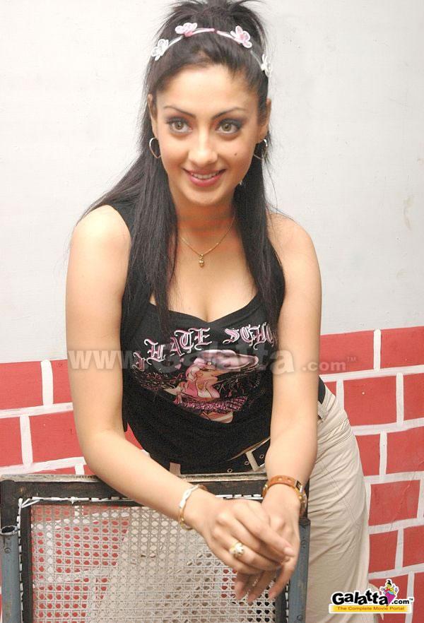 Gurlin Chopra Actress Wiki