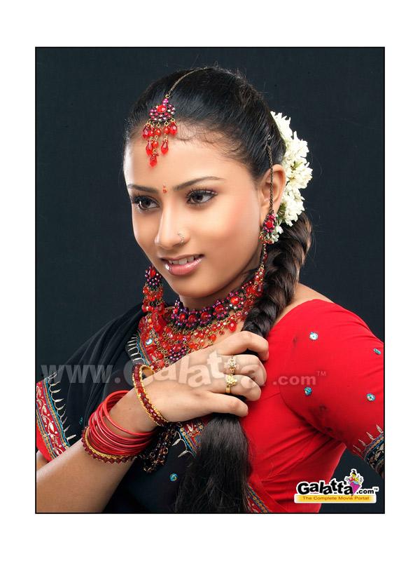 Hashini Actress Wiki