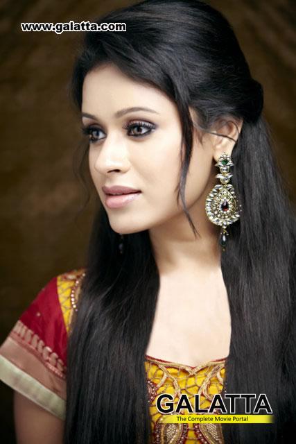Ishana Actress Wiki