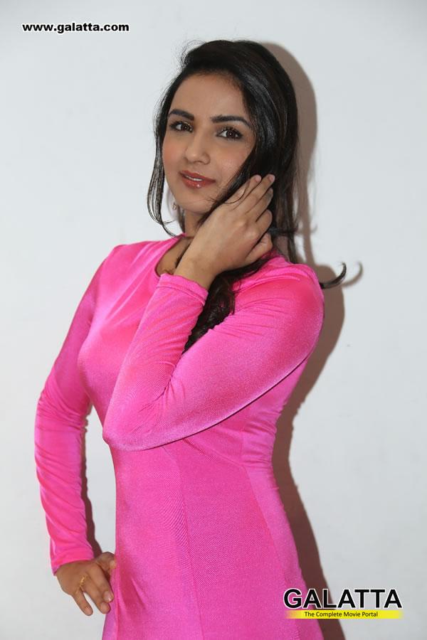 Jasmin Bhasin Photos