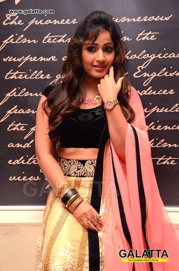 Madhavi Latha Actress Wiki