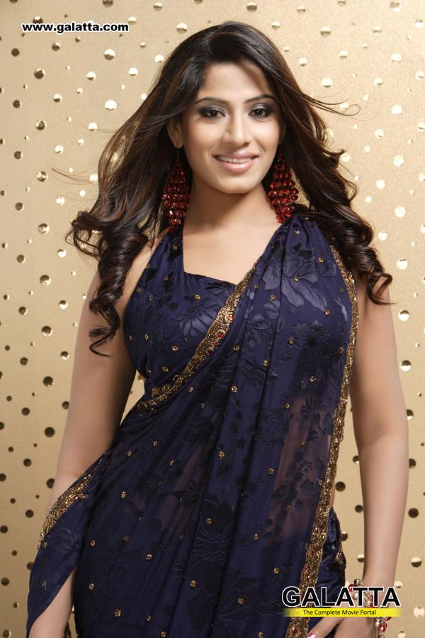 Meenal Actress Wiki