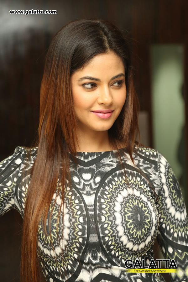 Meera Chopra Photos