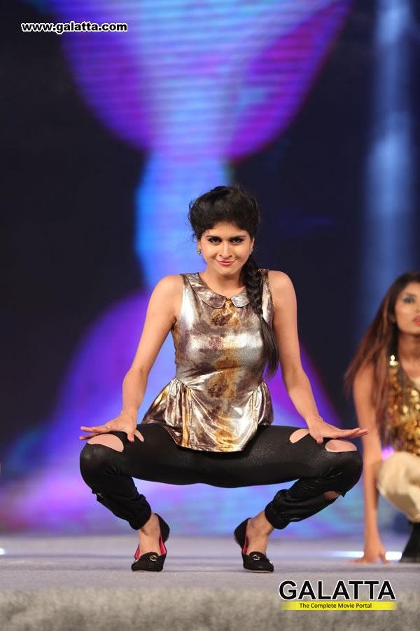 Naveena Actress Wiki