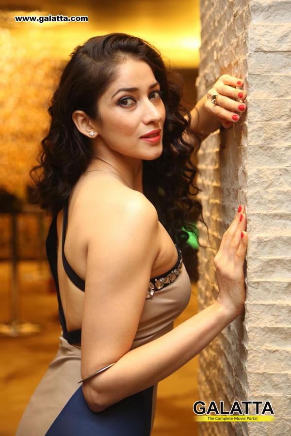 Neha Ahuja Photos