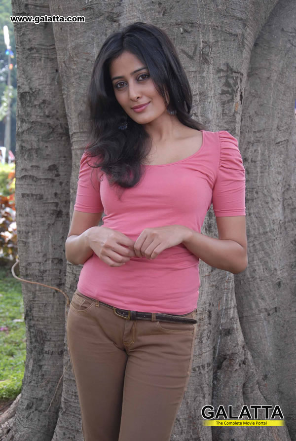 Nidhi Photos
