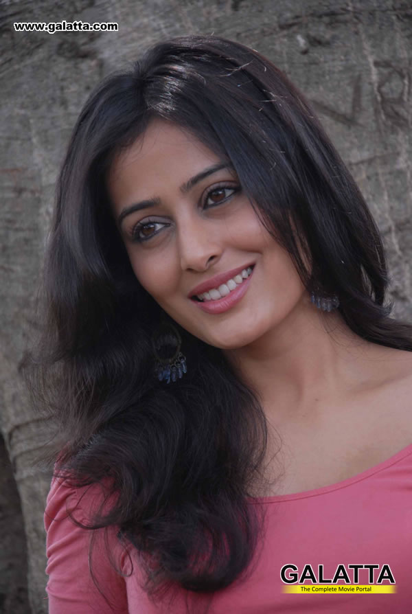 Nidhi Actress Wiki