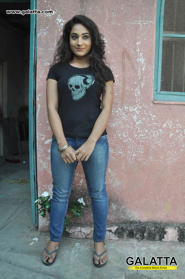 Pooja VJ Photos