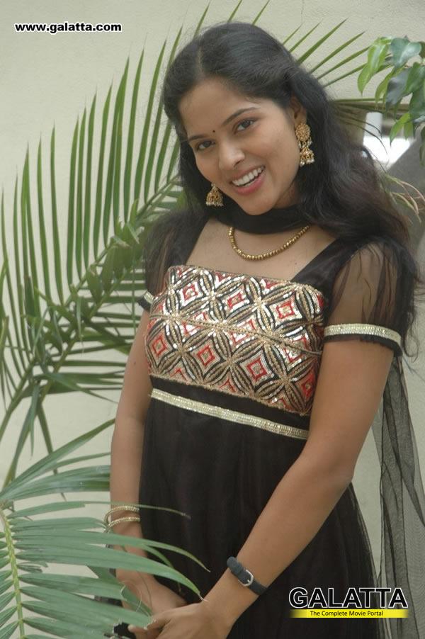 Reena Actress Wiki