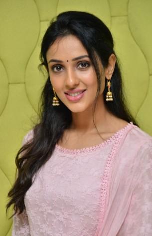 Telugu actress photos images pictures stills telugu actress riya suman thecheapjerseys Choice Image