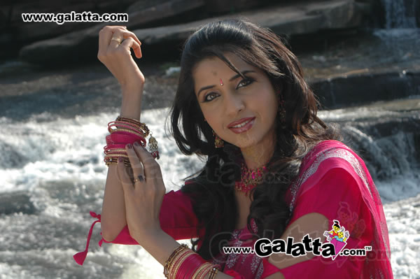 Sadhika Actress Wiki