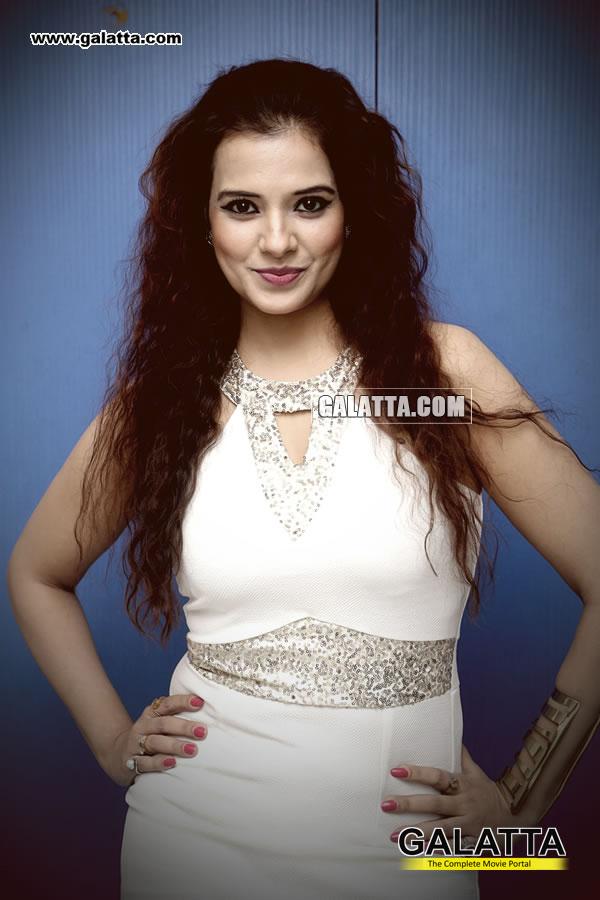 Saloni Actress Wiki