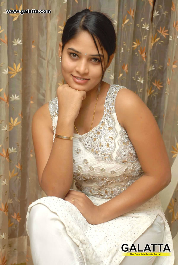 Saniyaa Actress Wiki