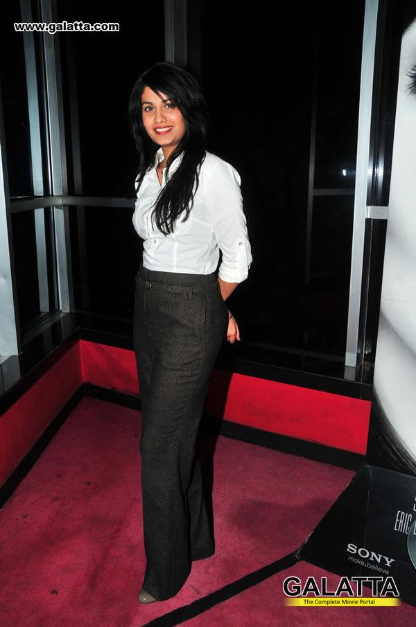 Shreya Dhanwanthary Photos
