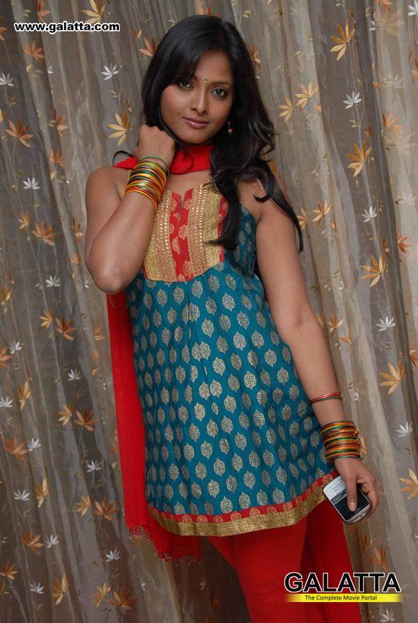 Smitha Actress Wiki