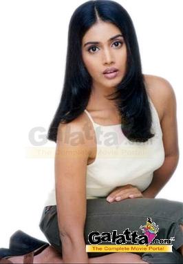 Sonali Kulkarni Actress Wiki
